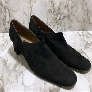 Stuart Weitzman | Black Slouch Front Chunky Heels